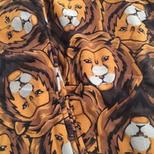 Lularoe lions leggings Tc